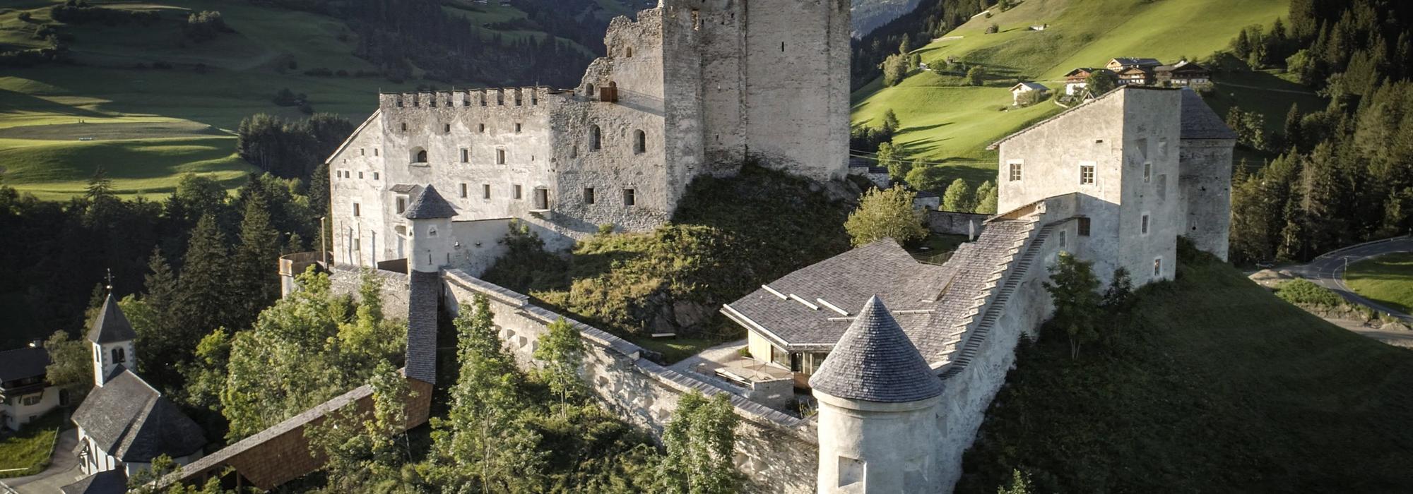 Burg Heinfels Drohnenansicht | © TVB Osttirol / Alexander Zeidler
