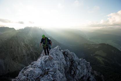 Alpines Klettern, Alpenrautekamin, Lienzer Dolomiten, Mehrseillänge | © TVB Osttirol / Sam Strauss Fotografie