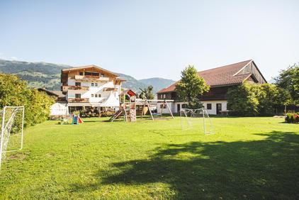 Der Spielplatz vom Dolomitenhof